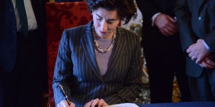 "Rhode Island's Governor Announces Lean Initiative, Declares ""Operations Matter"""